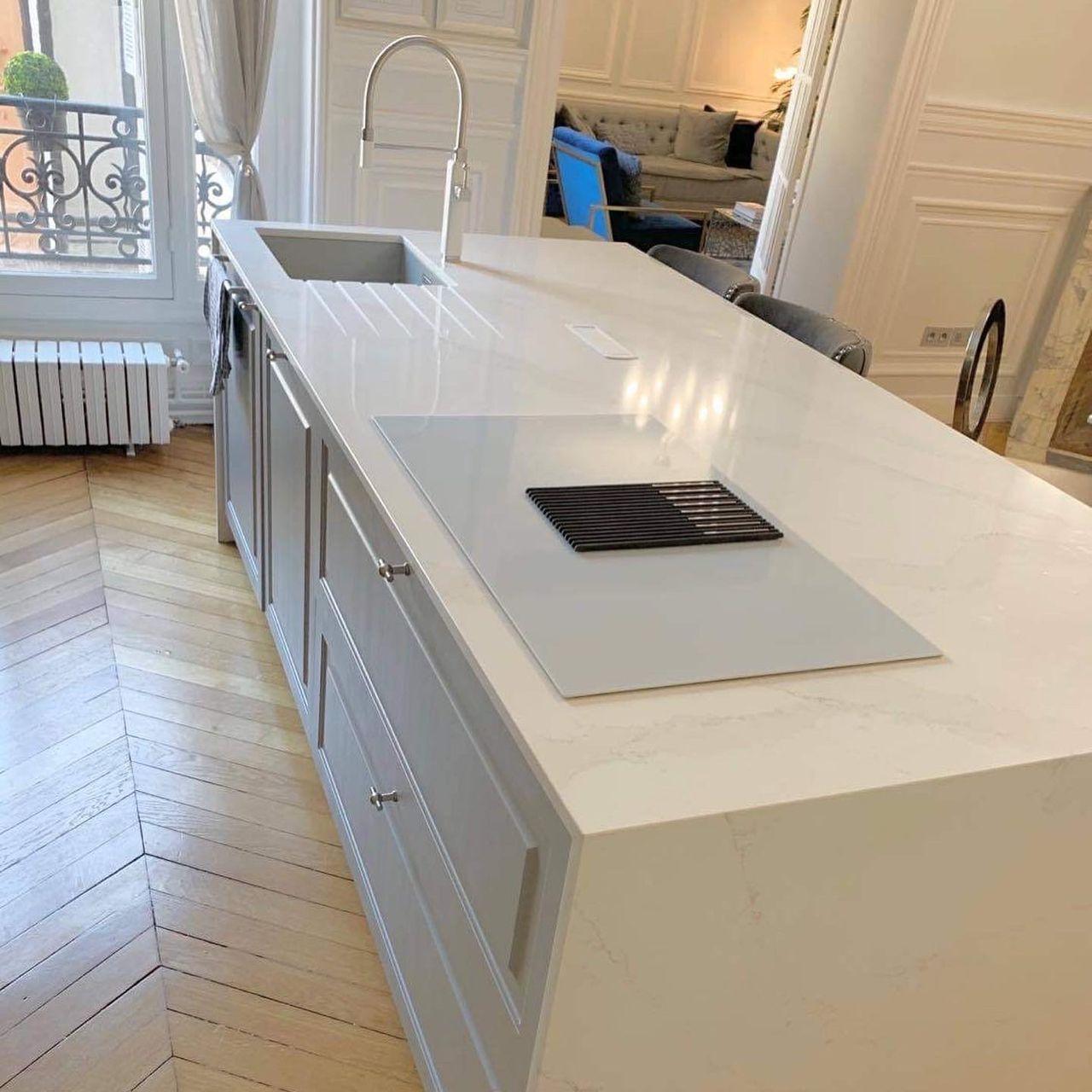 Plan-travail-cuisine-ilot-centrale-marbrerie-silestone-STC-Paris