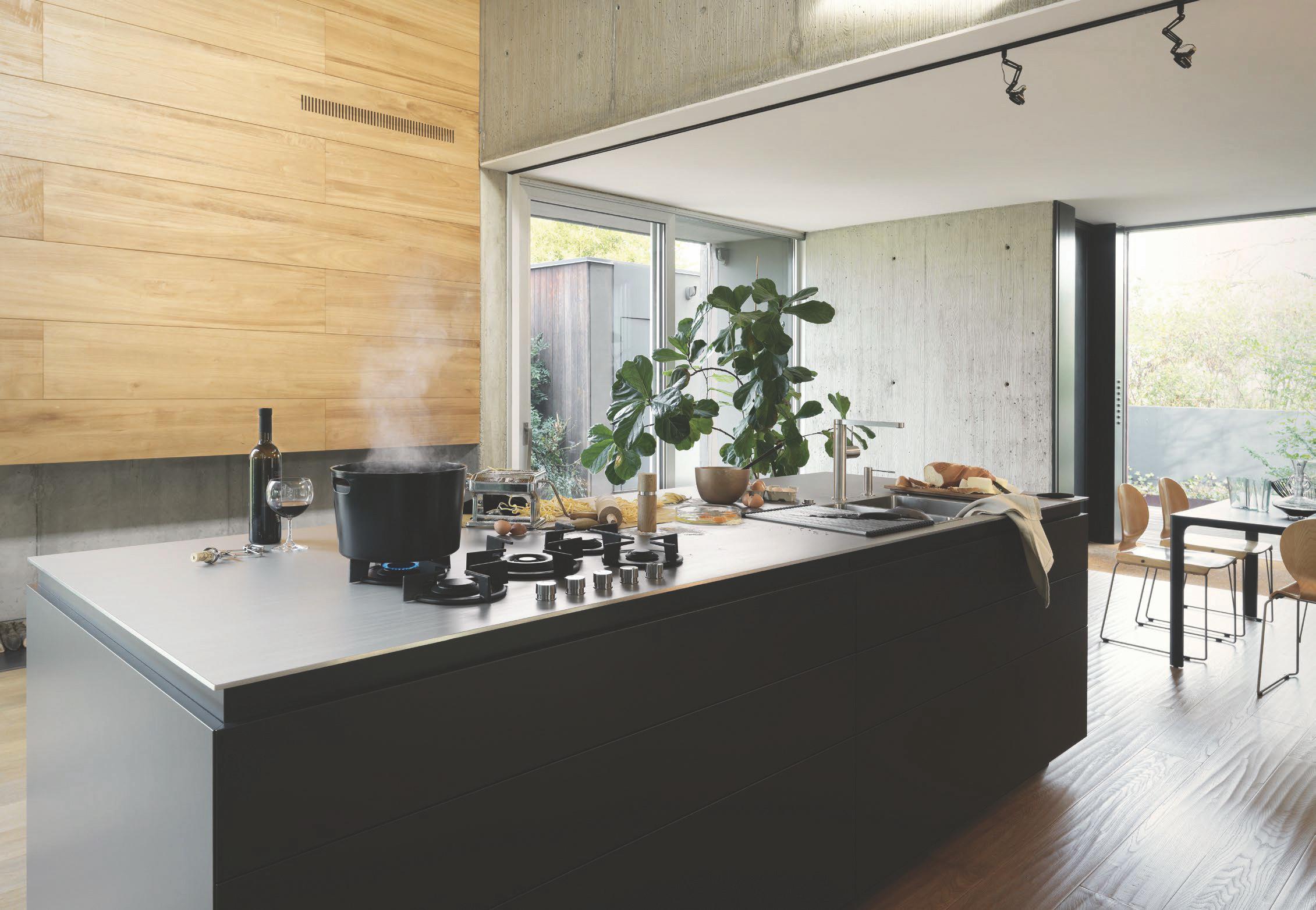 Plan-travail-cuisine-sur-mesure-inox-franke-STC-Paris