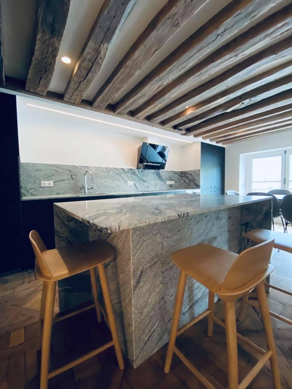 Plan-travail-cuisine-sur-mesure-marbrerie-granit-gris-STC-Paris